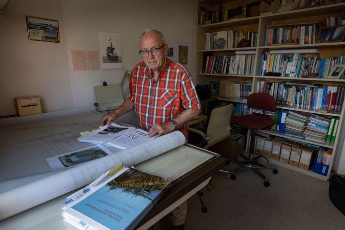 Karel Vlierman uit Dronten promoveert op 4 oktober aan de Universiteit van Nijmegen tot doctor in de archeologie op het onderwerp koggen.