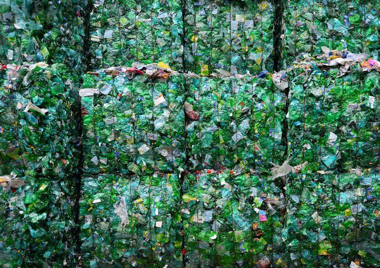 Recycling van petflessen, ze worden verzameld en vermalen tot een grondstof voor nieuwe producten.  Beeld ANP