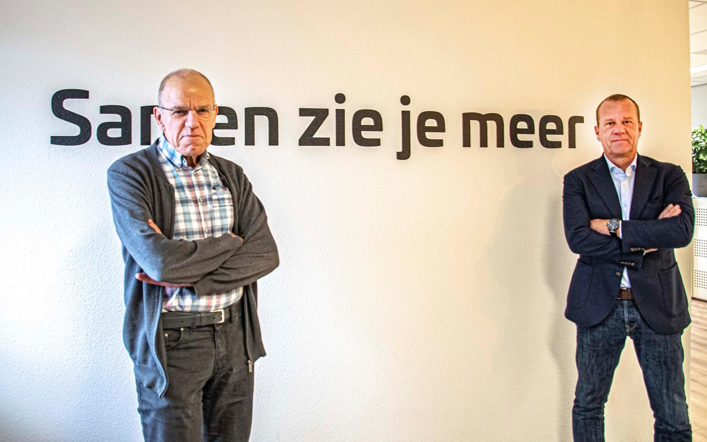Harrie Verbon (l) en Walter Gouw nemen per 1 maart afscheid als leden van de Rekenkamer.