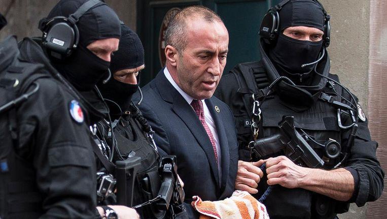 Haradinaj verlaat de rechtbank Beeld ap