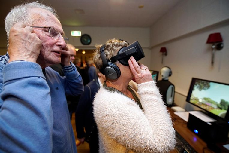 Omwonenden van Vliegveld Lelystad krijgen begin oktober in een virtuele tour voorlichting over geluidshinder. Beeld OrangePictures