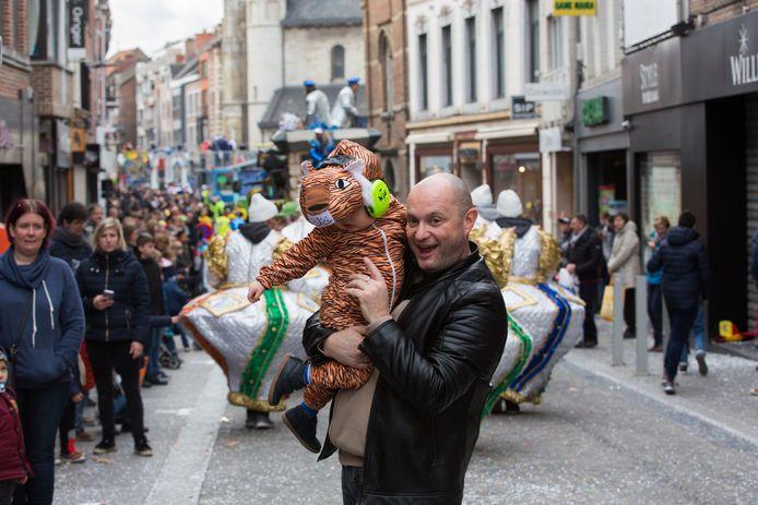 Het Truiens carnavalsfeest gaat uit veiligheidsredenen niét fysiek door, maar wel online voor een heel weekend.