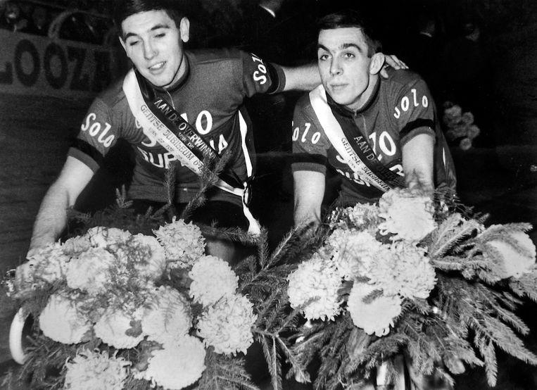 Eddy Merckx en Patrick Sercu bij hun eerste overwinning van de Gentse Zesdaagse in 1965. Beeld bruikleen collectie Eddy Verbust