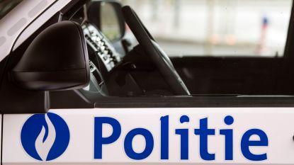Auto-inbreker gearresteerd nadat nachtwaker hem betrapt