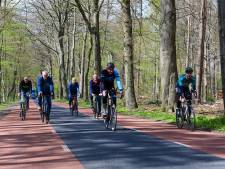 Het wordt steeds moeilijker om lange wielerkoersen te houden, maar de Omloop van Staverden is hét antwoord