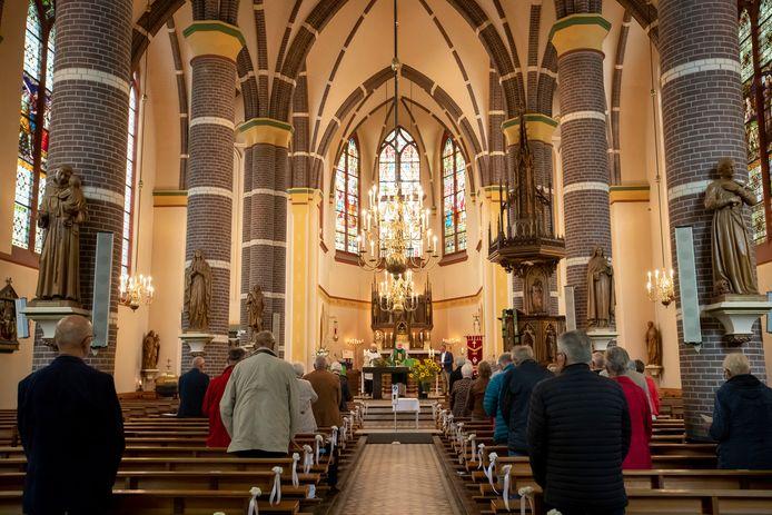 De Katholieke Bond voor Ouderen Vasse is 50 jaar. Hierbij wordt stilgestaan tijdens een kerkelijke viering in de kerk van Vasse.