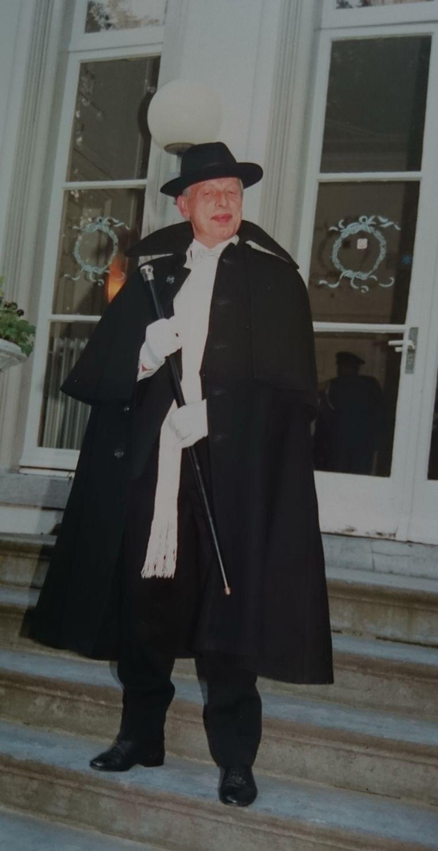Henk Renes ging graag als edelman gekleed. Beeld