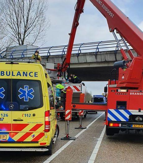 Chauffeur Hans vangt vrouw op met dak van zijn vrachtwagen: 'Hij heeft de dood in de ogen gekeken'