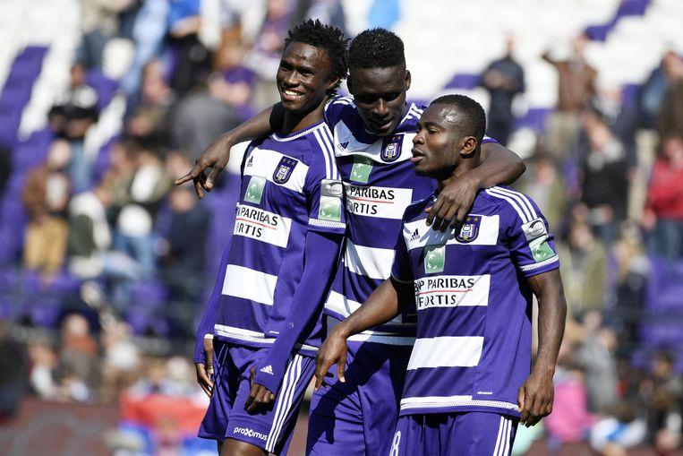 Anderlecht blijft door de overwinning op AA Gent in het spoor van concurrent Club Brugge. Beeld belga
