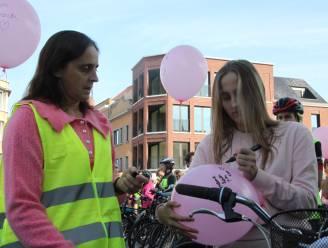 """Precies 1 jaar na overlijden Kato (12) op de fiets op weg naar school Stille Ronde voor verkeersveiligheid met mama Wendy: """"Nu tijd voor actie, niet als het te laat is."""""""