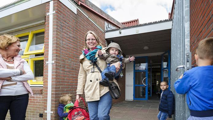 Moeder Petri Koop vindt het continuerooster eigenlijk beter voor haar zoontje Stijn
