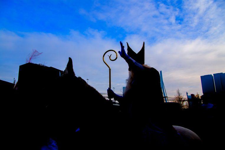 Sinterklaas op zijn paard. Beeld Robin Utrecht