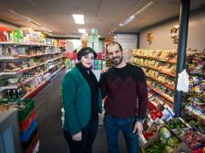 Supermarkt van Nour en Louai ook in trek bij Nederlanders: 'Ze zijn erg gek op baklava'