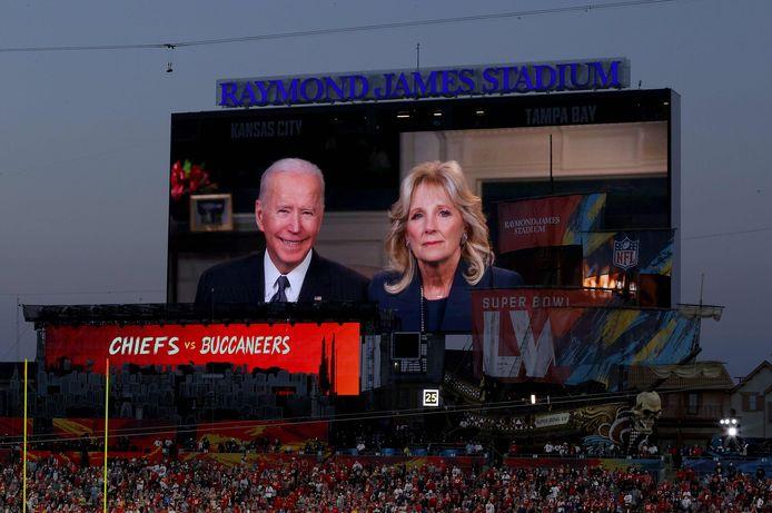 Joe en Jill Biden tijdens de Super Bowl.