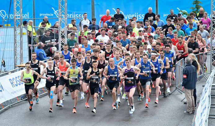 De start van de hardloopwedstrijd