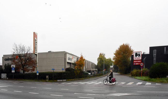 In Turnhout liggen de vestigingen van Colruyt en Delhaize tegenover elkaar aan de Parklaan.