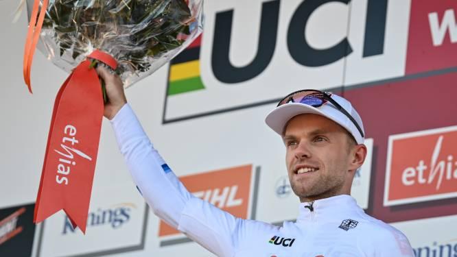 Europees kampioen Iserbyt en crosslegende Mario De Clercq praten in Centrum Ronde van Vlaanderen
