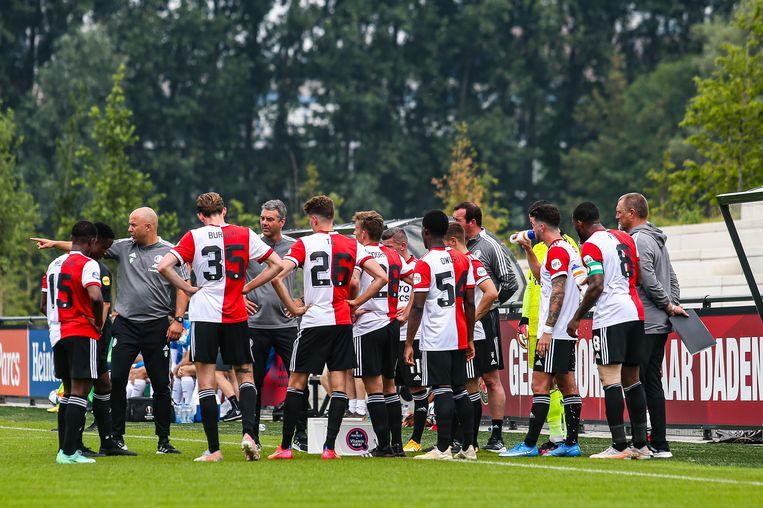 Feyenoord onder leiding van coach Arne Slot bij het begin van de voorbereiding op het seizoen.  Beeld Pro Shots / Mischa Keemink