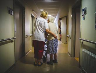 """N-VA wil personeelstekort in zorgsector bekampen met noodingrepen zoals het inschakelen van gepensioneerden of studenten: """"Wat tijdens coronacrisis kon, moet nu ook kunnen"""""""