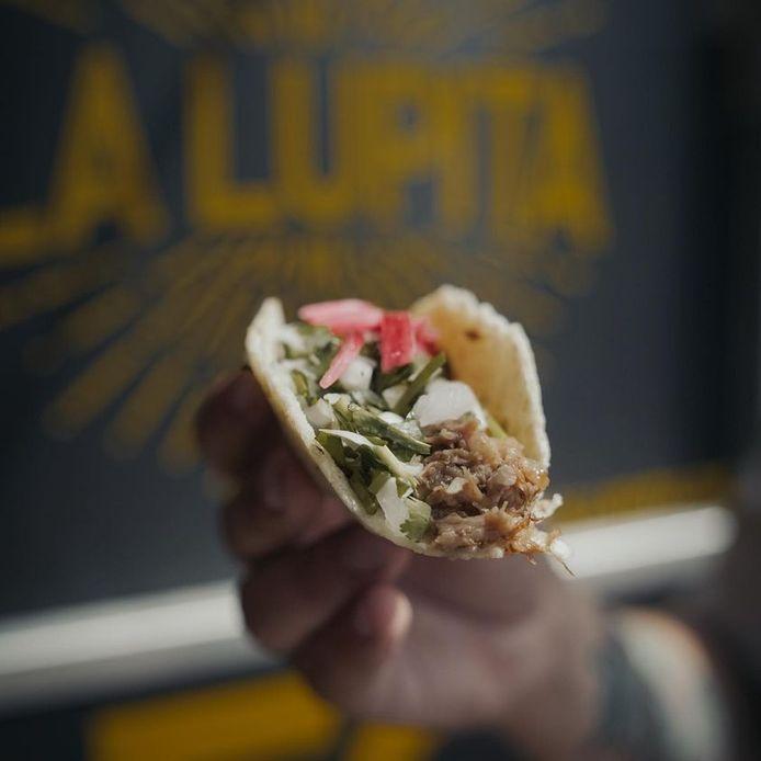 """Inédit: la première taquería, un restaurant spécialisé dans les tacos, a ouvert ses portes à Liège. Son nom? """"La Lupita""""."""