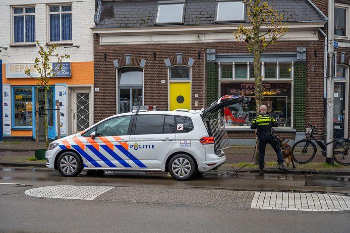 De politie is op zoek naar de daders
