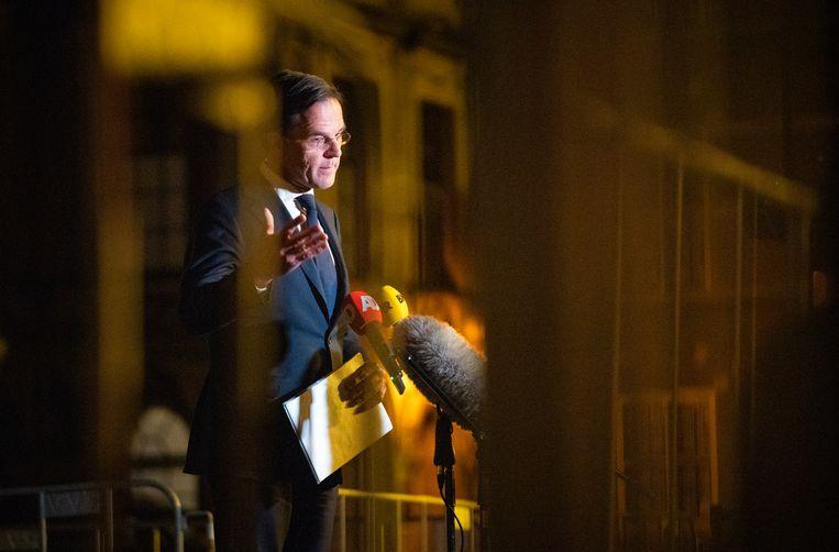 Mark Rutte (VVD) vertrekt na zijn gesprek met informateur Herman Tjeenk Willink, 21 april.  Beeld Freek van den Bergh / de Volkskrant