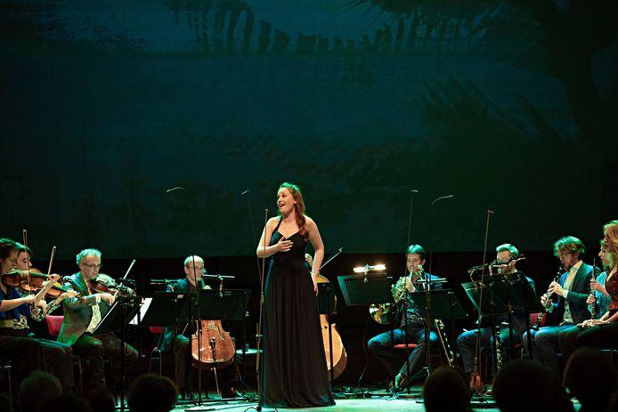 Het collectief LUDWIG uit Amsterdam geeft zondagmiddag een speciale uitvoering van de Midzomernachtsdroom in het openluchttheater Eibergen.