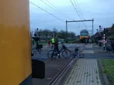 Treindelen schieten los tijdens rit bij Zwolle