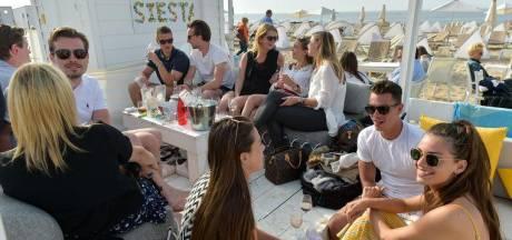 Ras-le-bol des touristes picoleurs: Knokke fait fermer les beach bars
