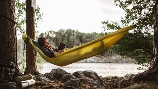 Duik deze zomer in de literatuur: 5 boekenpakketten voor heerlijk luie dagen