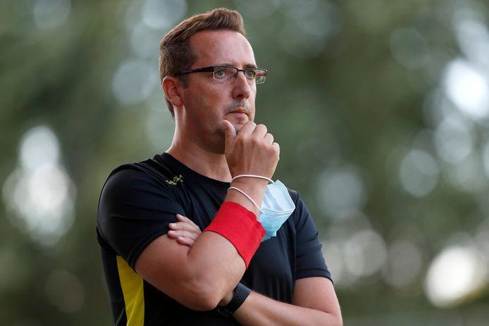 Coach Peter Everaerts en VK Linden maken zich op voor het bekertreffen met R. Cappellen FC.