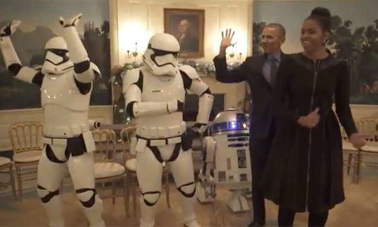 Star Wars-fan Obama laat weer zien hoe goed 'ie kan dansen