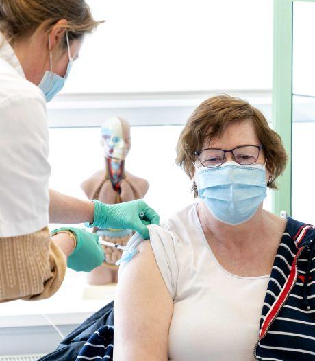 Wéér minder vaccins gezet dan gepland: 'Verklein aantal groepen met voorrang'
