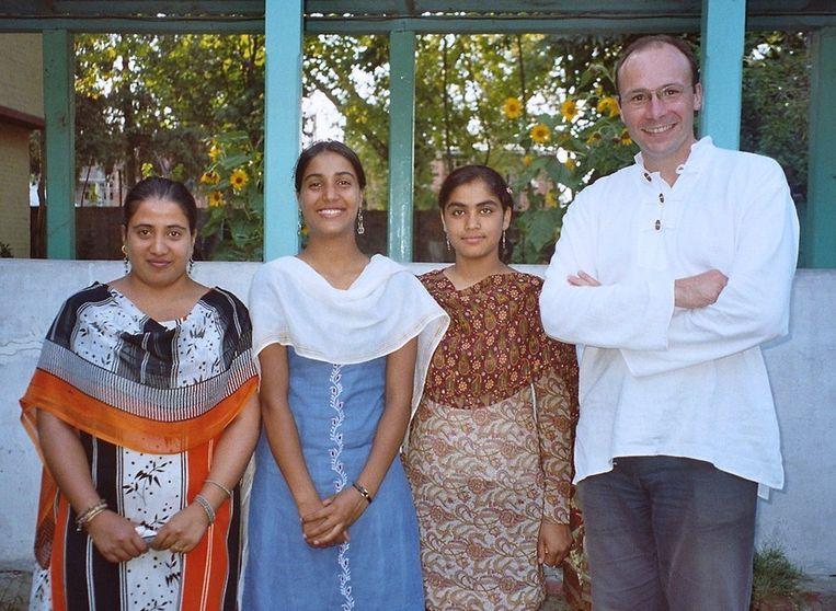 De Franse priester Georges Vandenbeusch tijdens een vakantie in India. Beeld AFP