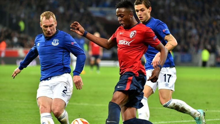 Divock Origi speelde een prima partij bij Lille, Romelu Lukaku mocht pas in de tweede helft invallen. Beeld AFP