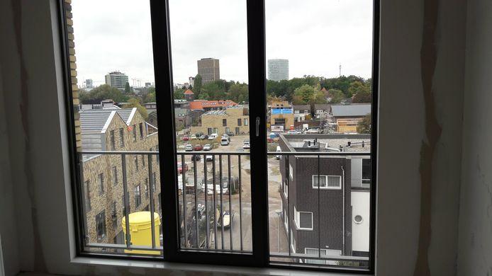 Uitzicht vanuit een huurwoning bij het Eindhovensch Kanaal in Eindhoven.