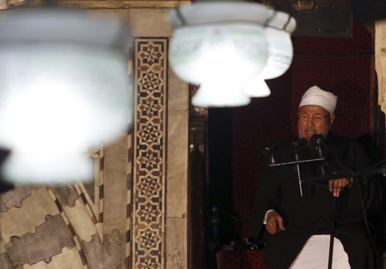 Sjeik Yusuf al-Qaradawi is één van de ideologen van de internationale Moslimbroederschap. Beeld Reuters