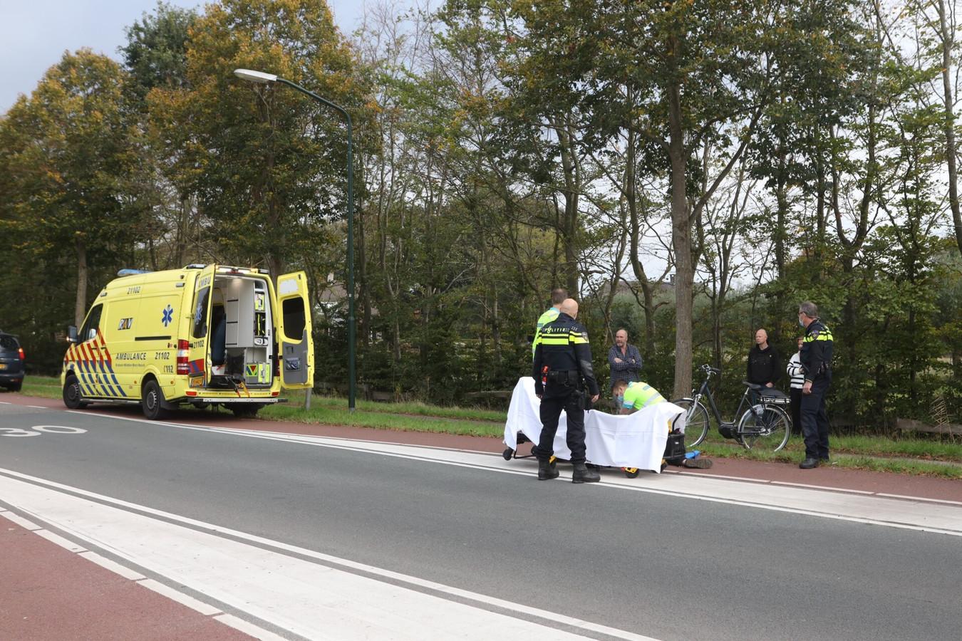 De scooterrijder is doorgereden na het ongeval.