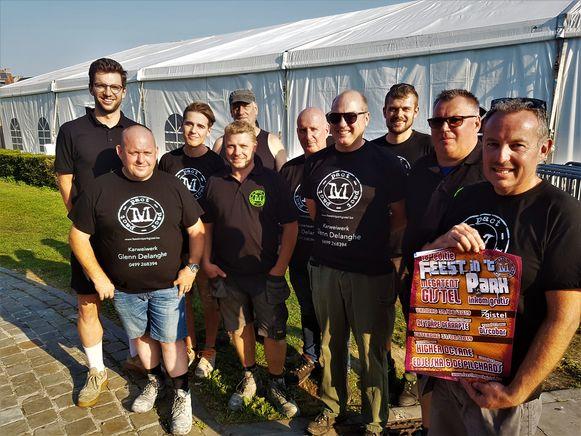 De crew van M-Pact, de organisatie achter Feest in't Park.