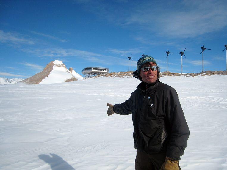 Alain Hubert bij de Prinses Elisabethbasis in Antartica.  Beeld IMAGEGLOBE