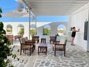 Stilte op het terras van het Panorama Hotel en op dat van andere ondernemers in Aliki.
