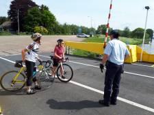 Maasveren zetten vanaf komend weekeinde weer fietsers over, mits ze een mondkapje dragen