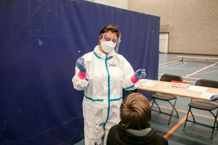Vandaag werden alle 80 leerlingen en 25 personeelsleden van de kleuter- en basisschool Schuttershof getest op het coronavirus.