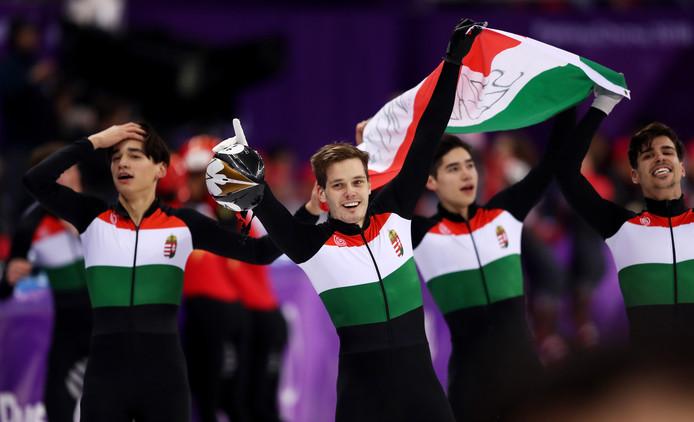 Csaba Burjan (à l'extrême droite de la photo)