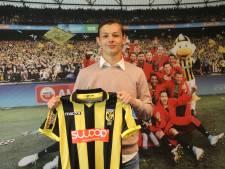 Mike de Beer tekent eerste profcontract bij Vitesse