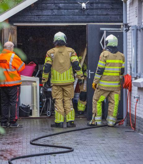 Veel rookschade na brand in schuur Soest