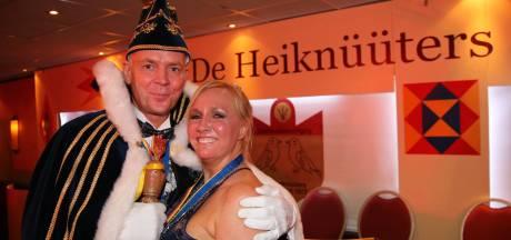 Prinsenpaar kruipt uit koffer voor de Heiknüüters van Rheden