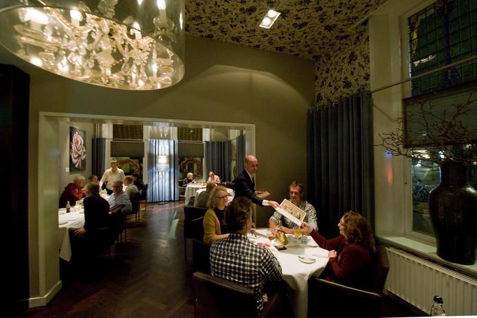 Bij restaurant O Mundo in Wageningen wordt gewoon door gewerkt en gegeten.