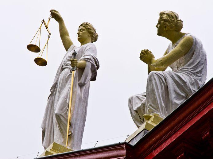 De rechters kozen de kant van de voormalig zorgbegeleider, die door het vonnis zijn Verklaring Omtrent het Gedrag behoudt.