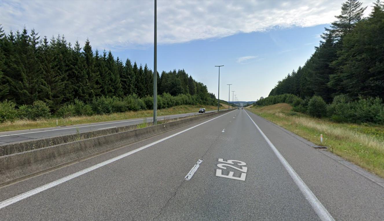 L'accident s'est produit sur l'E25 à hauteur de Noville (Bastogne).